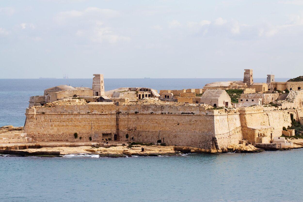 Este Fuerte fue construido por la Orden de San Juan entre el 1670 y 1698