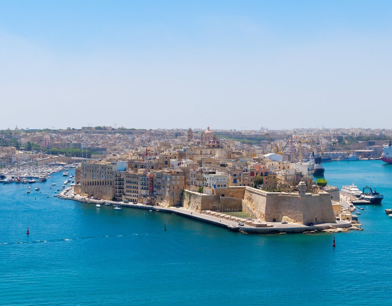 Birgu es una antigua ciudad fortificada en el lado sur de Grand Harbour