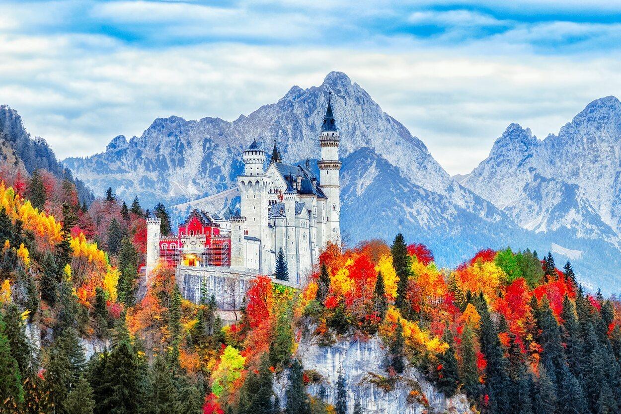 Castillo medieval de Neuschwanstein en Baviera