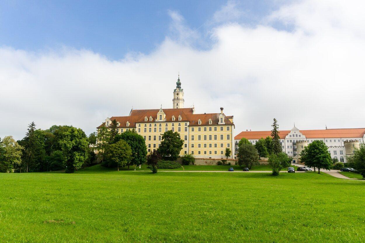 Monasterio de la Santa Cruz situado en </p><p>Donauwörth