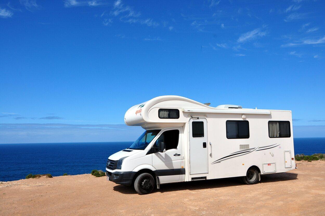 La documentación del vehículo y de la caravana debe estar siempre a mano