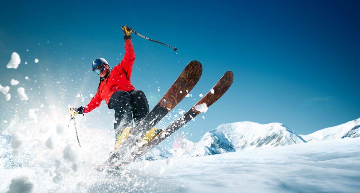 Antes de practicar esquí es necesario un equipamiento especial importante