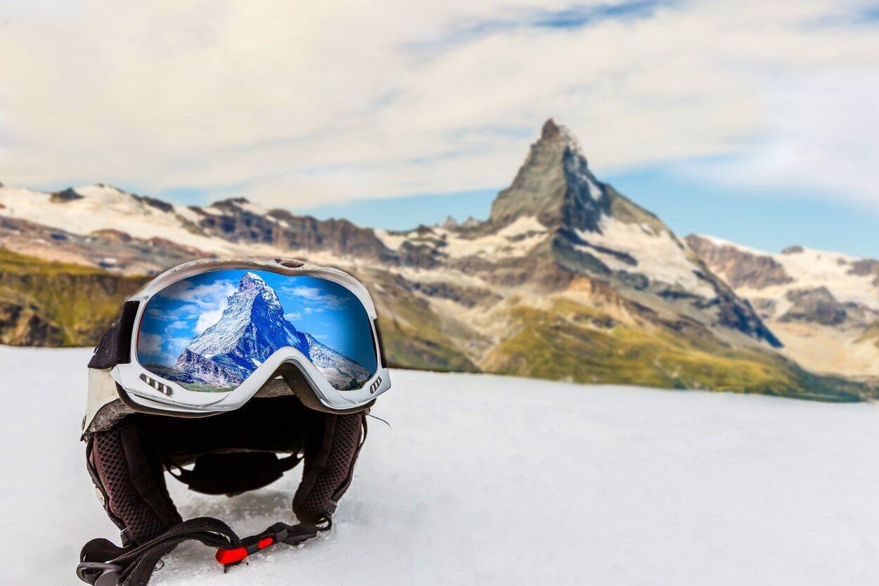 Las gafas son un accesorio imprescindible a la hora de hacer esquí