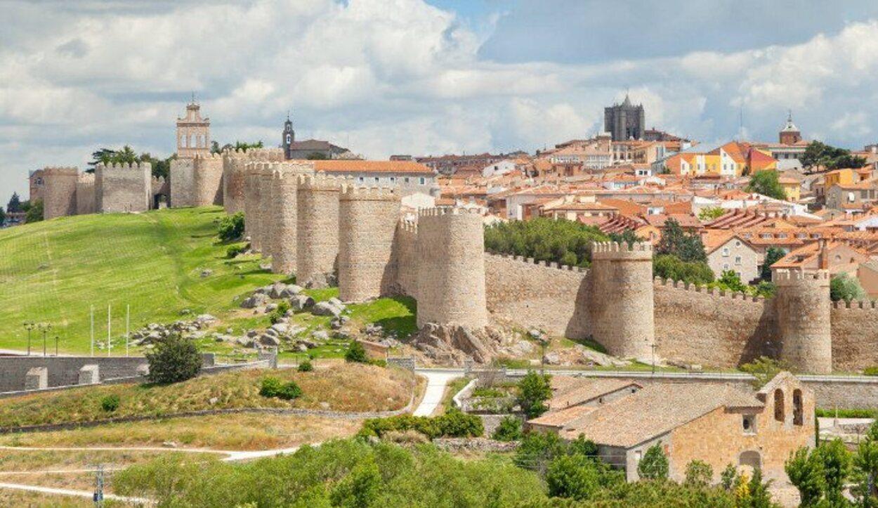 Santa Teresa de Jesús nació en Ávila y allí fundó su primer convento