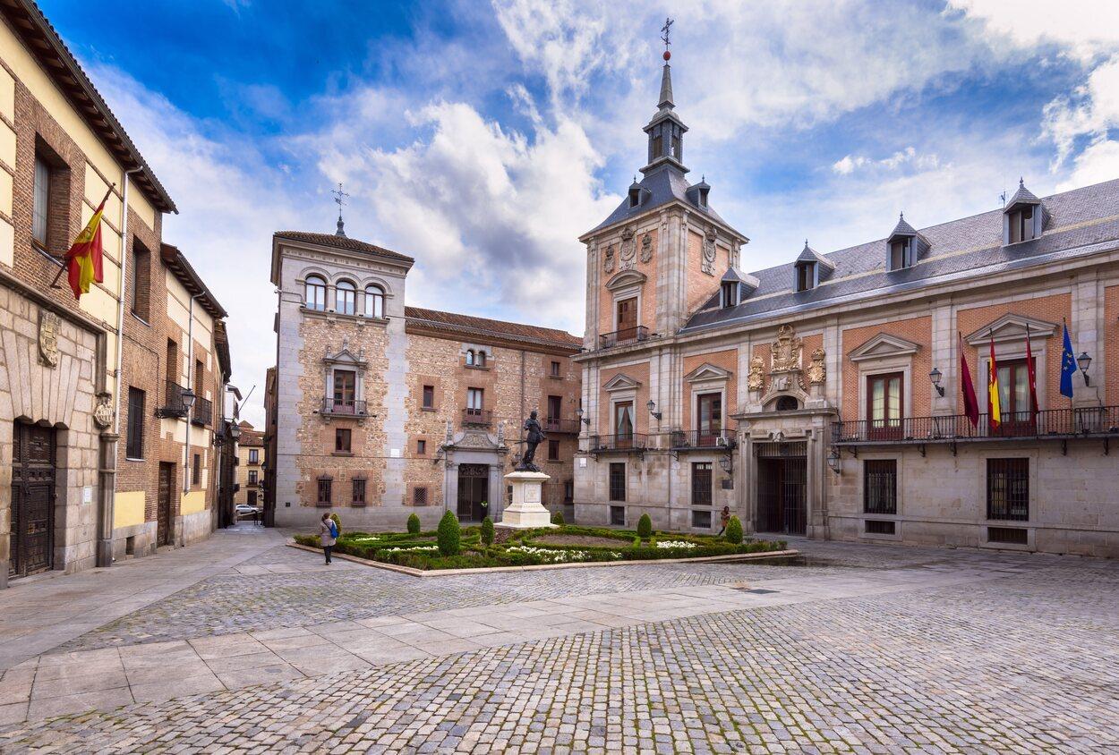 La Plaza de la Villa, el verdadero corazón del Madrid de los Austrias
