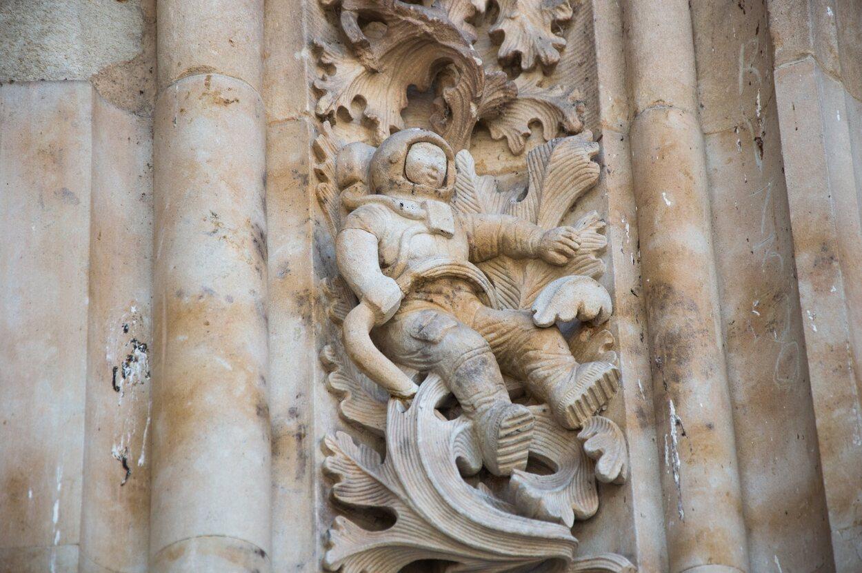 El astronauta de la fachada principal de la Catedral de Salamanca