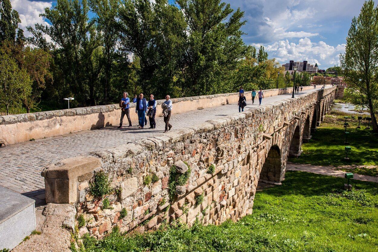 Imagen de los arcos del puente romano de Salamanca