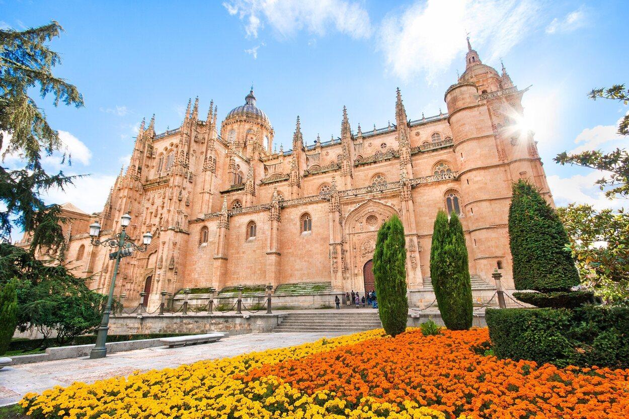 Fachada principal de la Catedral de Salamanca