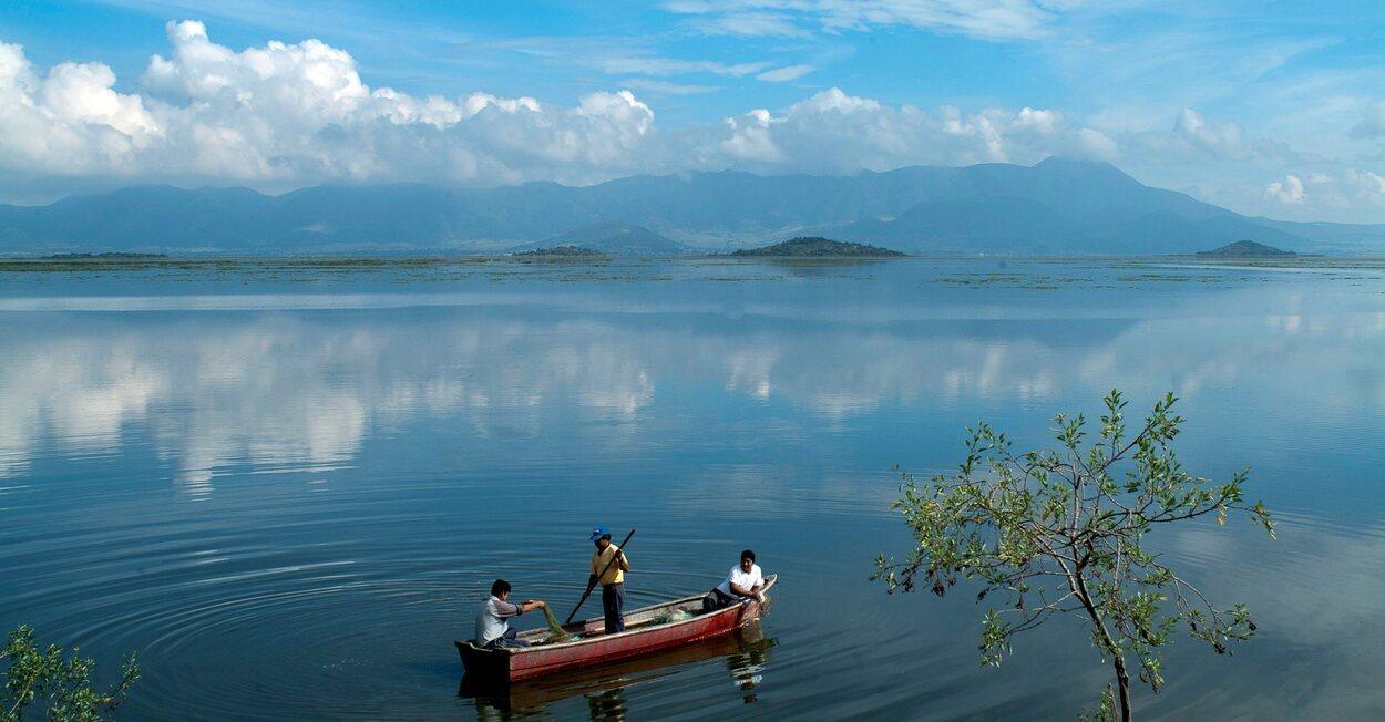Cuitzeo es un pueblo rodeado por un lago del mismo nombre