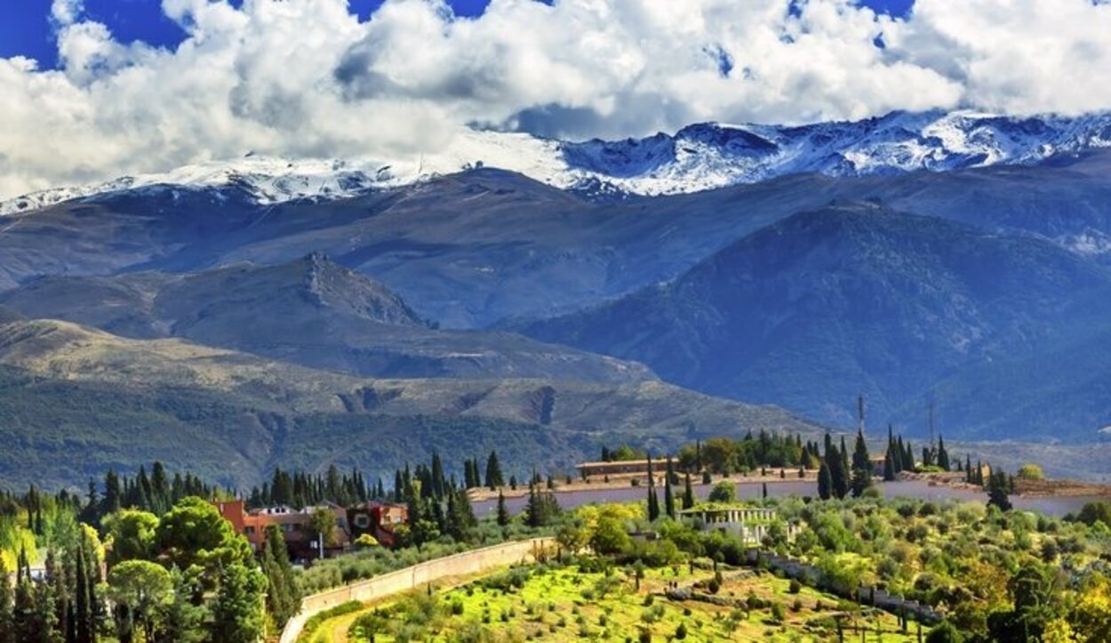 Uno de los lugares más impresionantes de Granada es Sierra Nevada