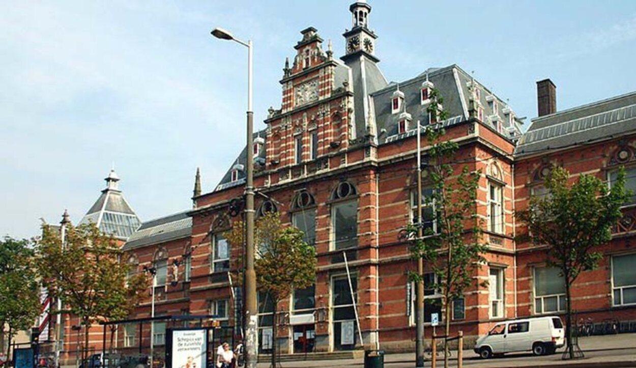 El Stedelijk acoge el Museo Nacional de Arte Moderno de Amsterdam