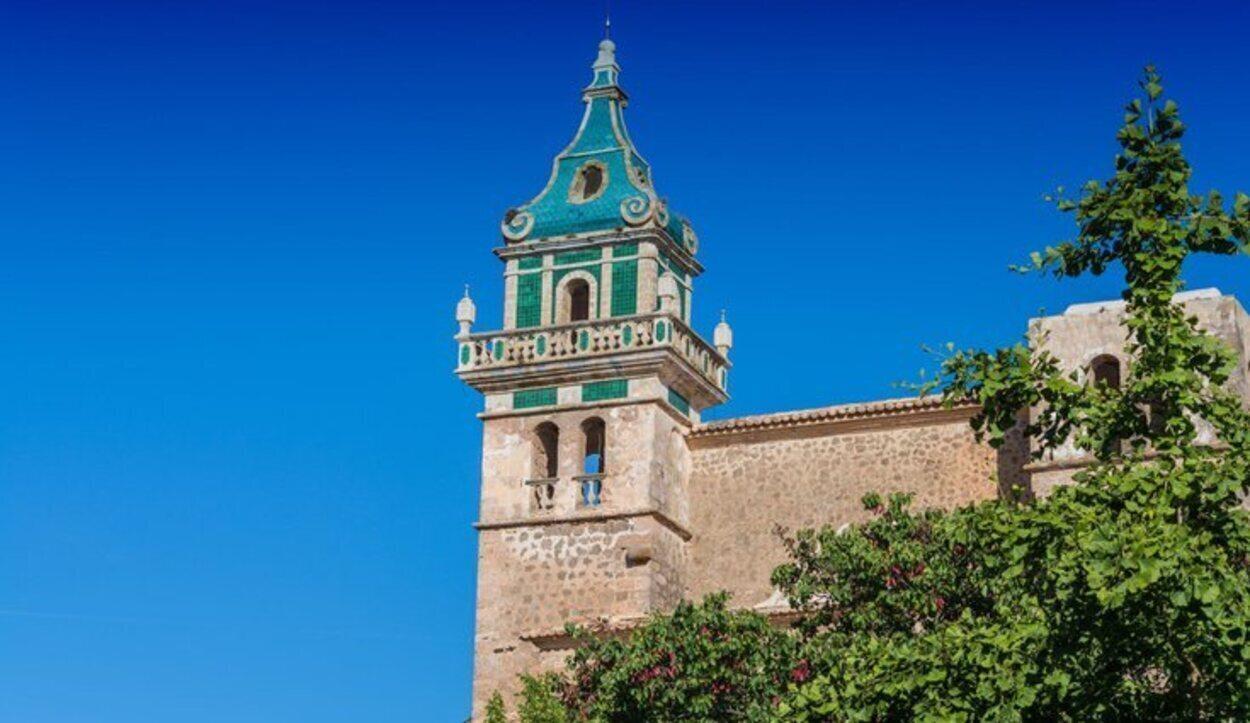 La Cartoixa de Valldemossa es uno de los principales reclamos del pueblo y que fue residencia de invierno de Chopin