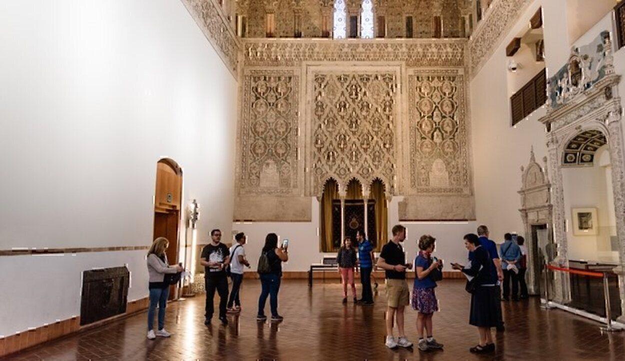Detalles del interior de la Sinagoga del Tránsito