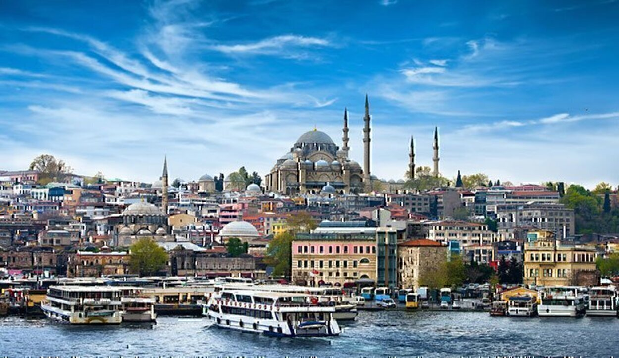 El pico de Turquía en Europa es tan bonito que tienes que ver esta ciudad antes de los 30