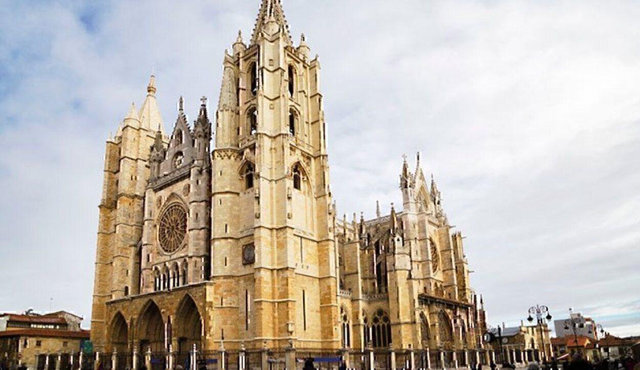 La Catedral de León es la joya de la ciudad