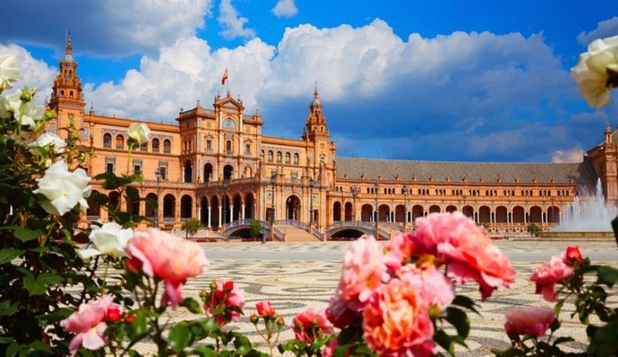 Sevilla tiene un aroma y una arquitecturas que harán muy especial tu viaje