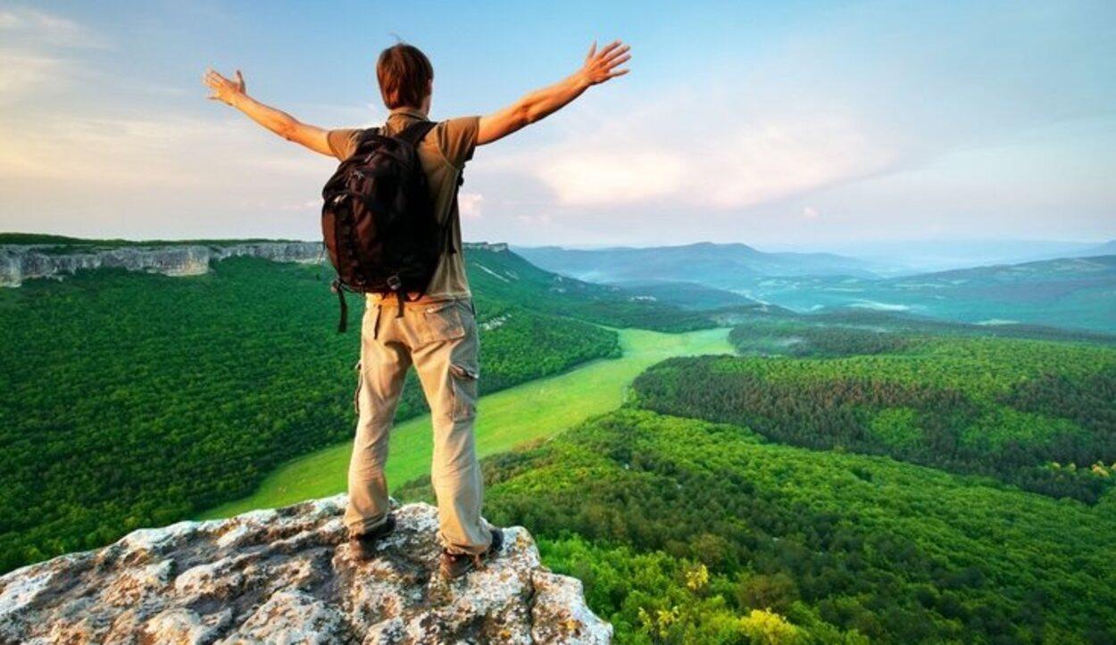Debes evitar bebidas alcohólicas o con cafeína en las horas previas a realizar excursiones a zonas de grana altitud