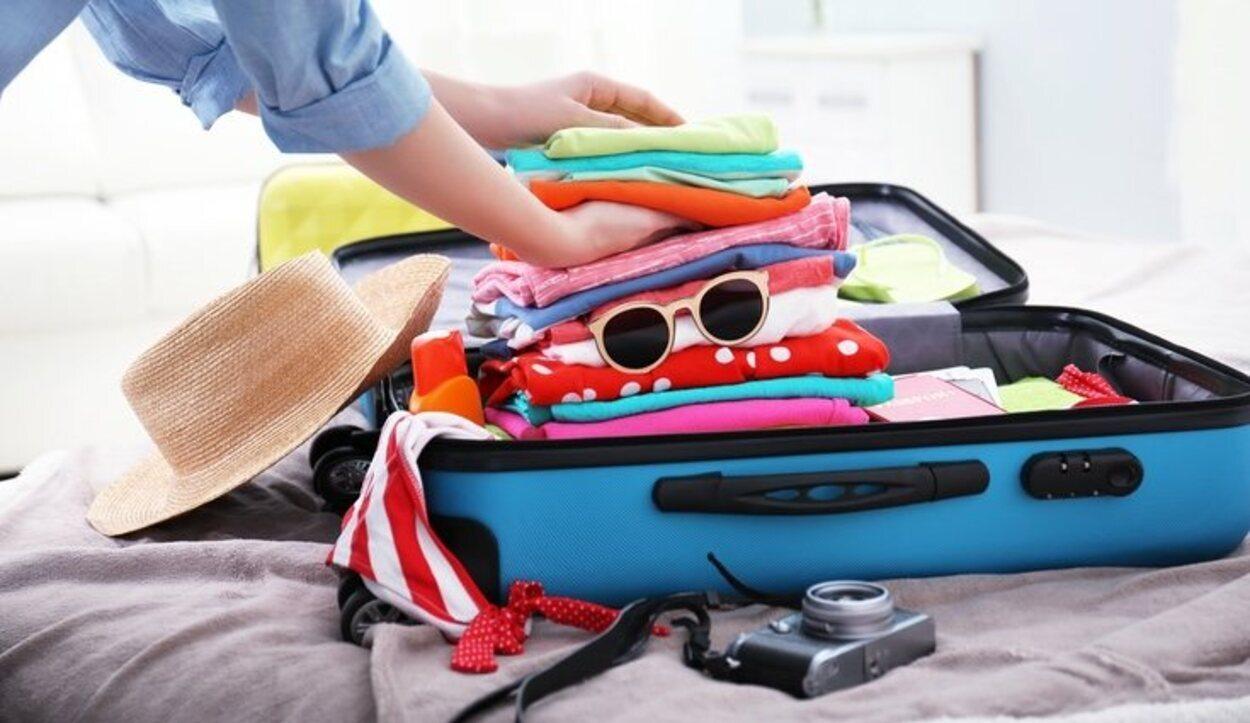 A la hora de hacer tu maleta, existen algunos imprescindibles de los que no te puedes olvidar