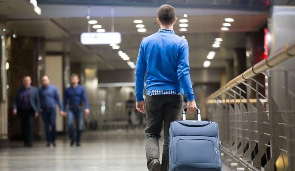 Ten en cuanto las cláusulas por cuestiones de equipaje y maletas de mano