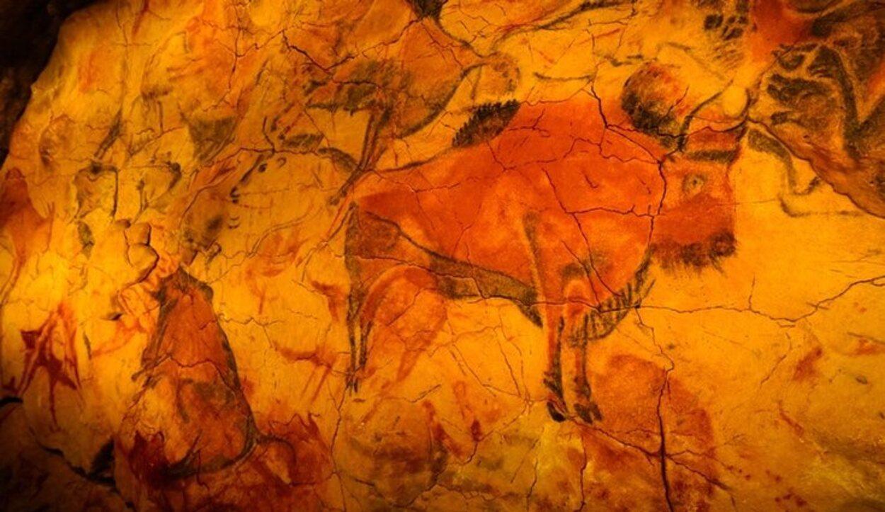 Los bisontes, caballos y ciervos son las figuras que más abundan en la cueva