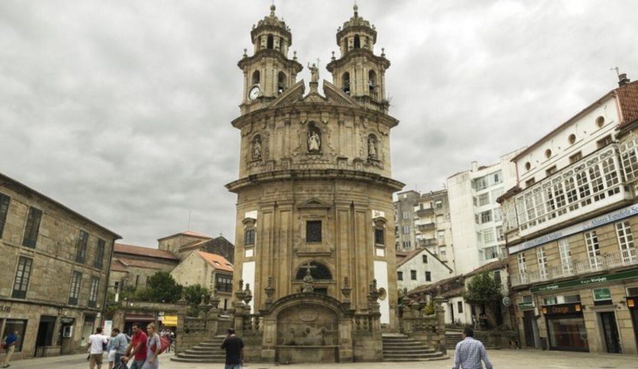 La Iglesia de la Peregrina llama la atención por su forma de concha de vieira