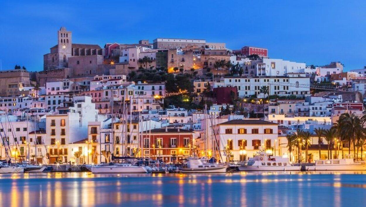 Ibiza es uno de los mejores destinos para salir por las noches