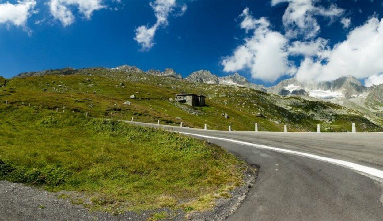La gran ruta de Suiza se compone de más de 1.600 kilómetros de recorrido en carretera