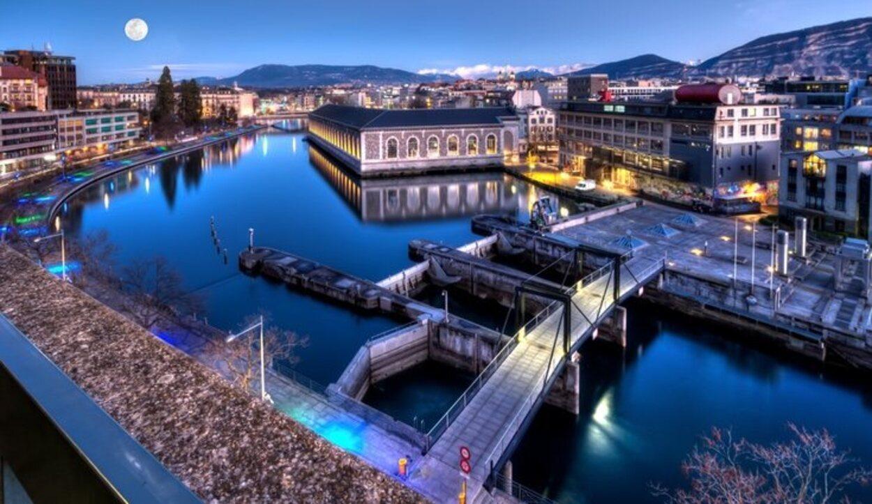 Interlaken es famoso por los lagos que dan su nombre y por sus paisajes nevados