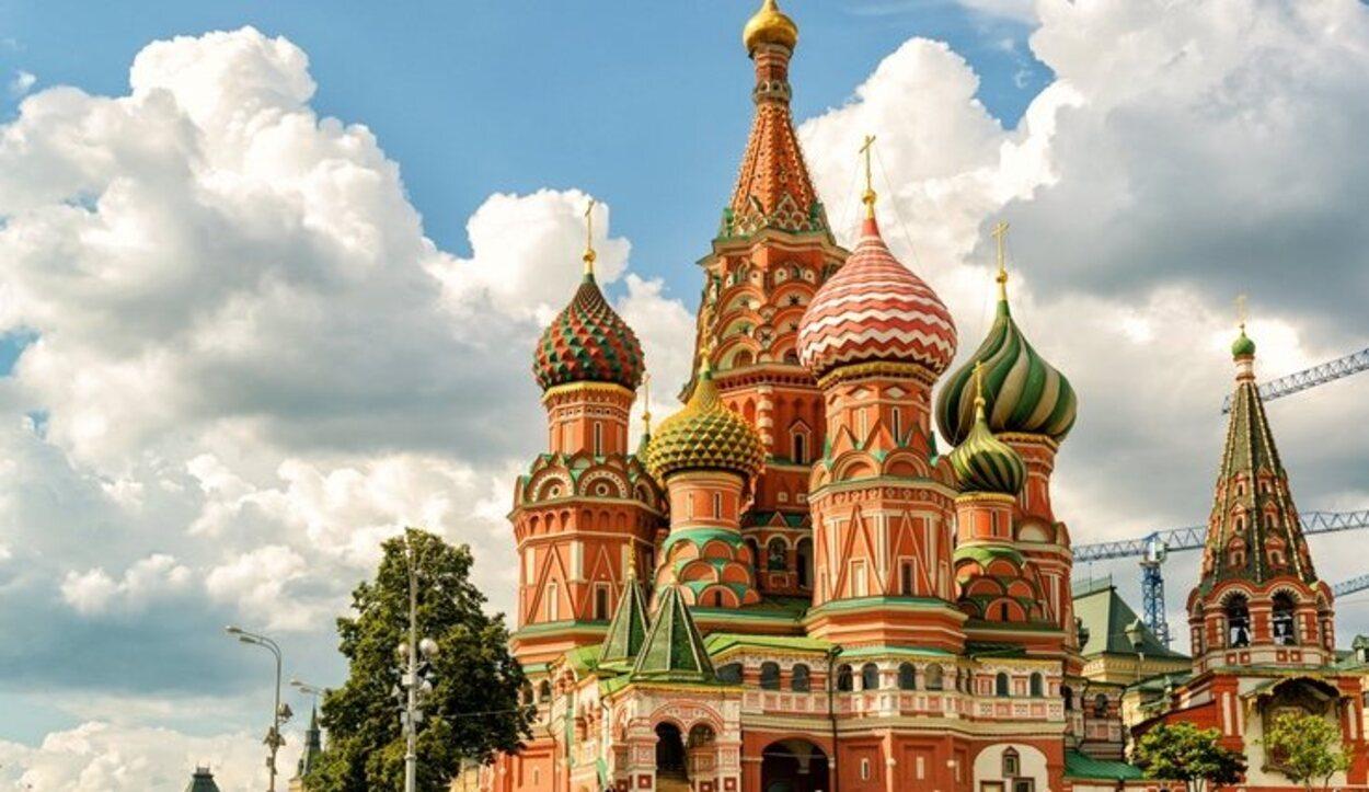 En Rusia, se puede sancionar con una multa a las parejas homosexuales que se besen en público