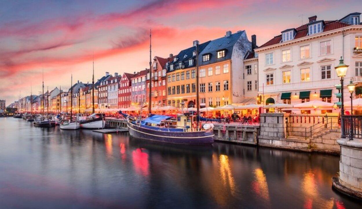 Destinos como Ámsterdam o Copenhague son muy aptos para parejas homosexuales