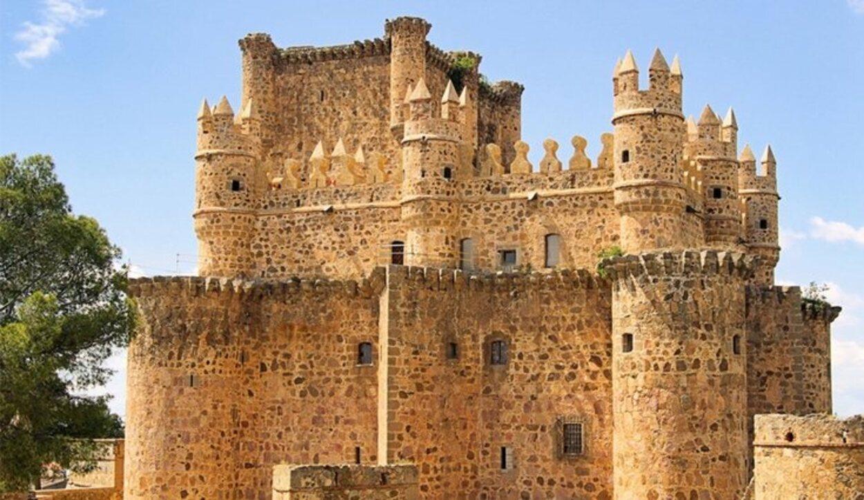 Este castillo está construido de manera distinta a otros de Toledo