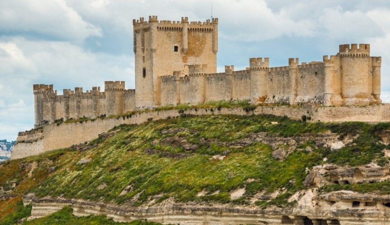 El castillo de Peñafiel, una de las postales más famosas de la Ribera del Duero