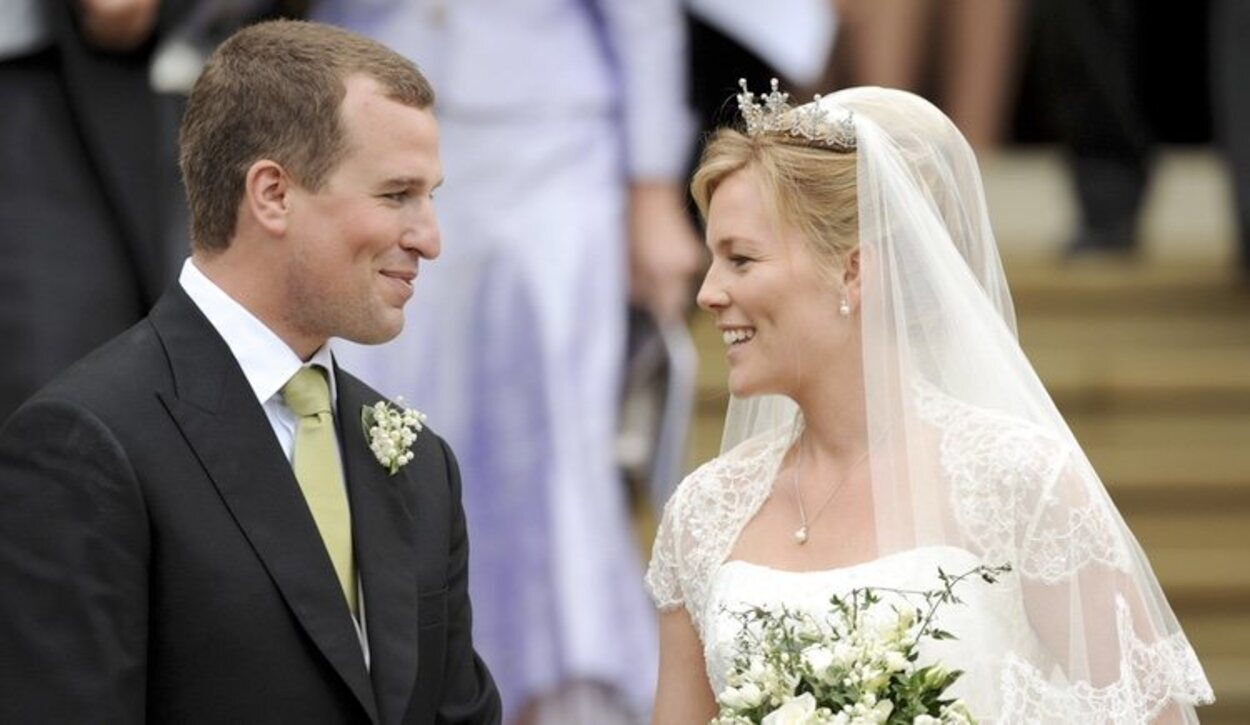 Peter Phillips, nieto mayor de la Reina Isabel, se casó en Windsor con Autumn Kelly en 2008