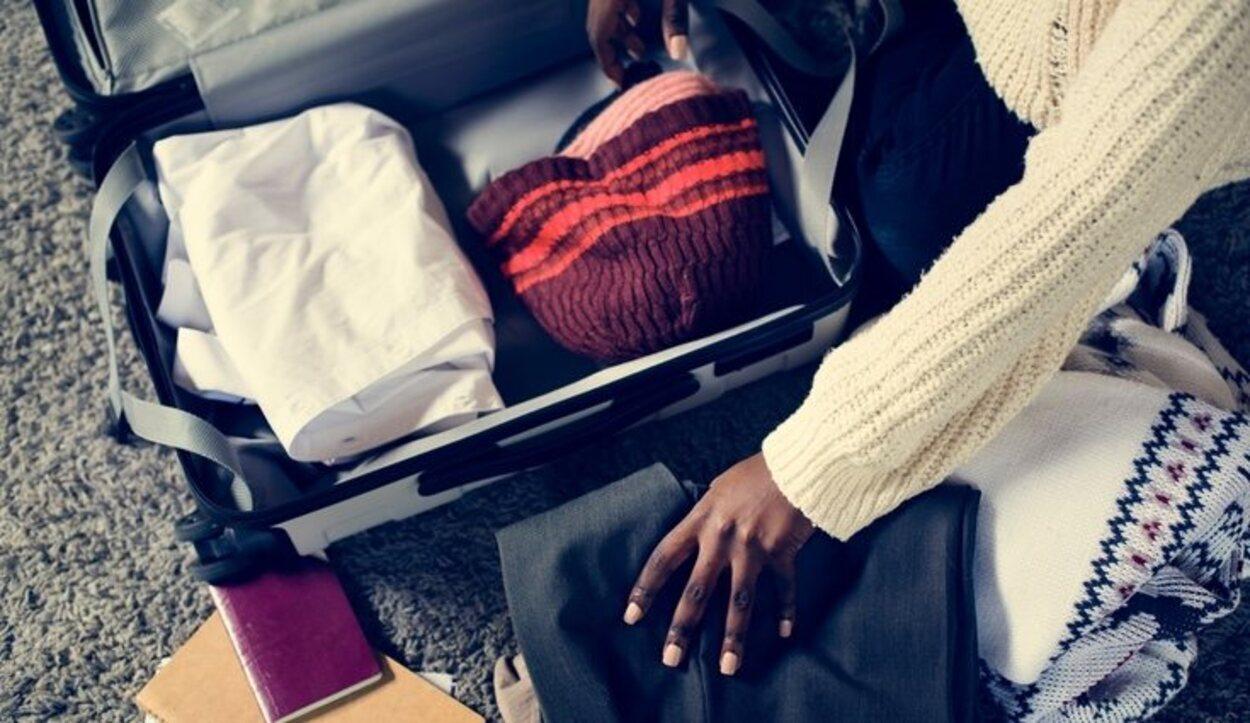 Organiza todo bien en tu maleta antes de viajar