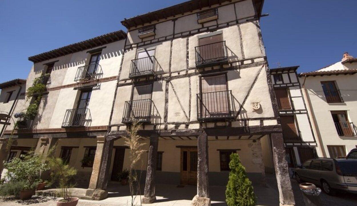 El pueblo de Covarrubias destaca por su arquitectura