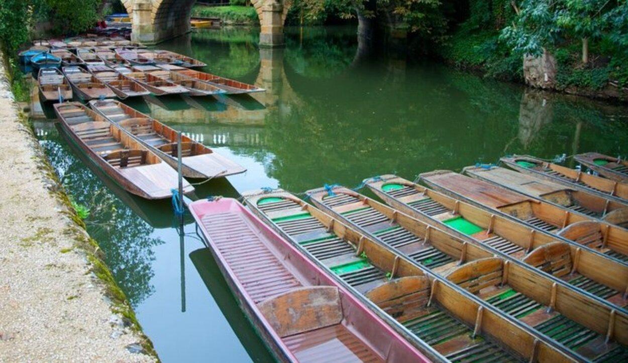 El canal de Oxford tiene mucho encanto alrededor