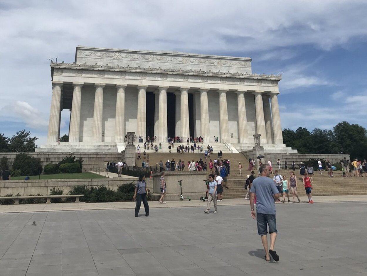 El Lincoln Memorial es uno de los puntos de la ciudad más importantes para los estadounidenses