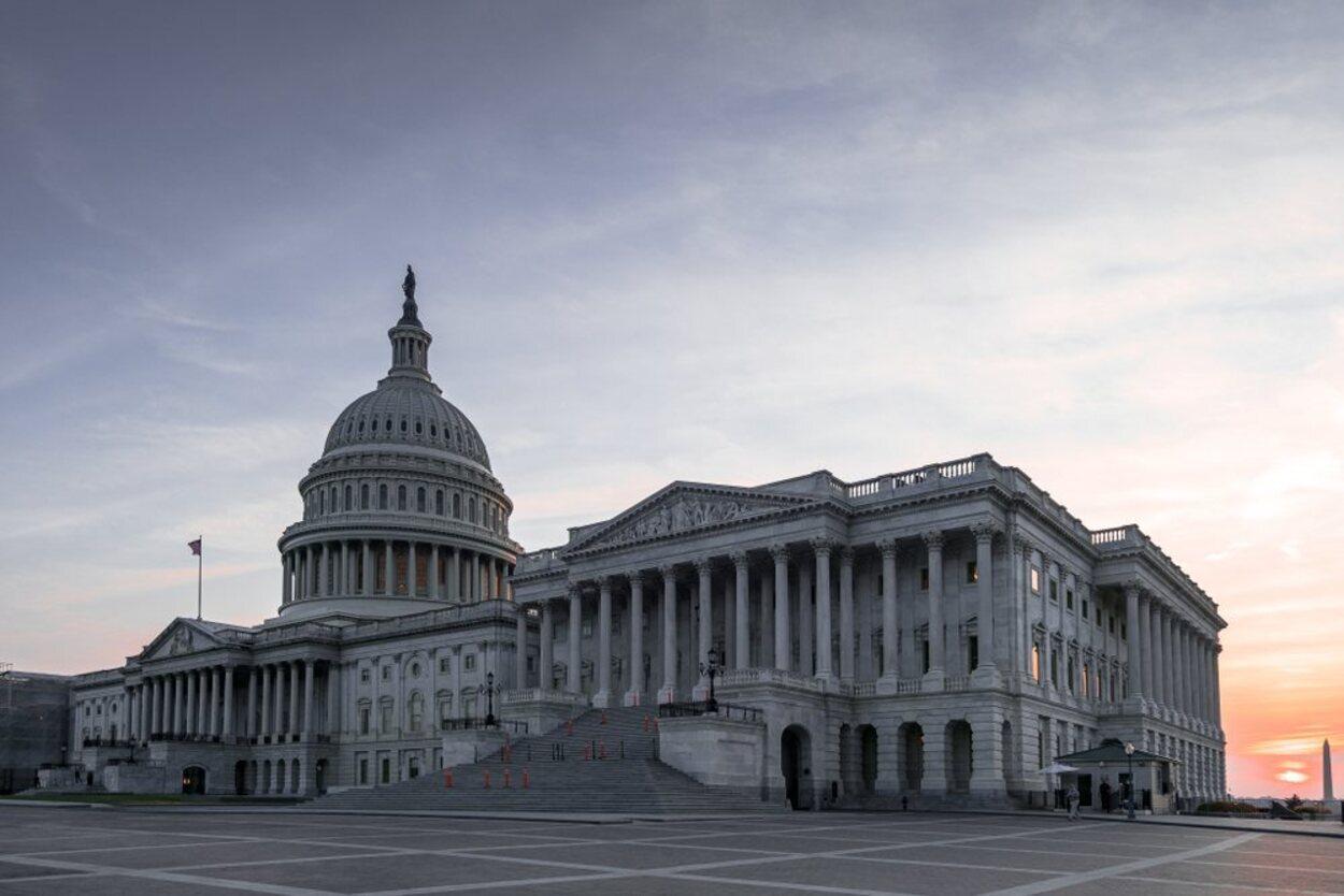 En El Capitolio se sitúan las dos cámaras del Congreso y es un edificio visitable