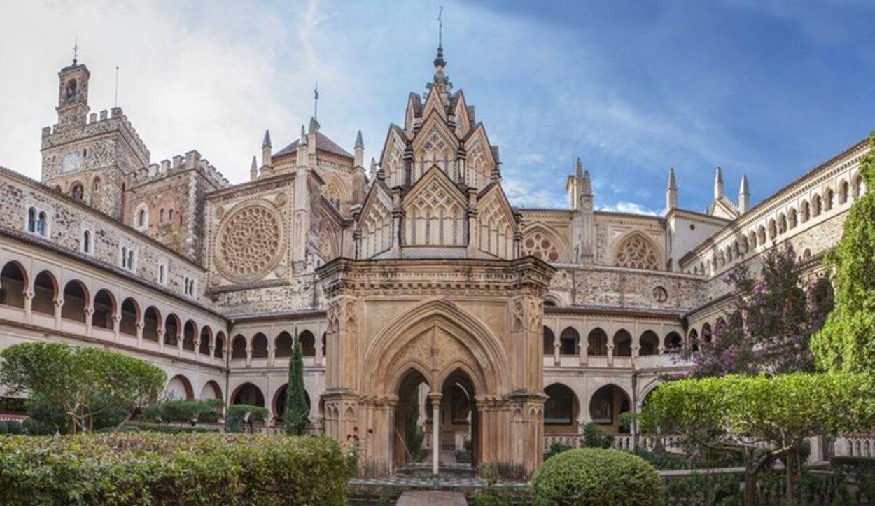 Los jardines del Hotel Real Monasterio de Guadalupe
