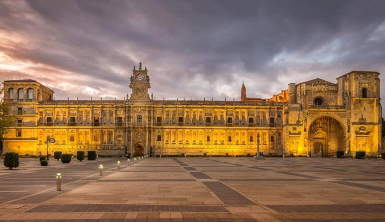 El convento San Marcos en León lleva construido desde el siglo XVI