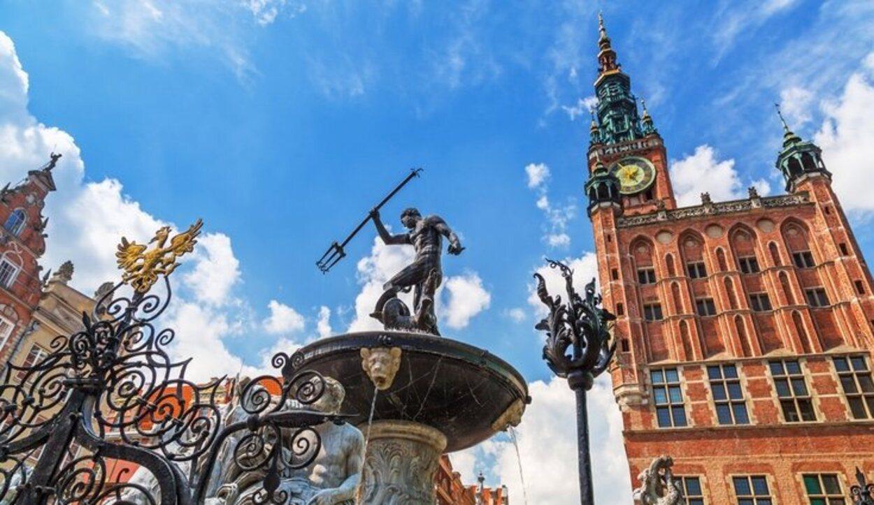 El Ayuntamiento de Gdansk y la Fontana de Neptuno