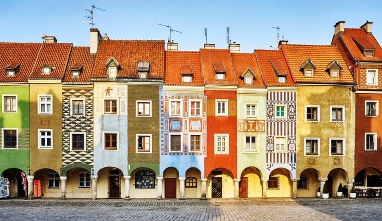 Las coloridas Casas de los Pescadores son un símbolo de la ciudad