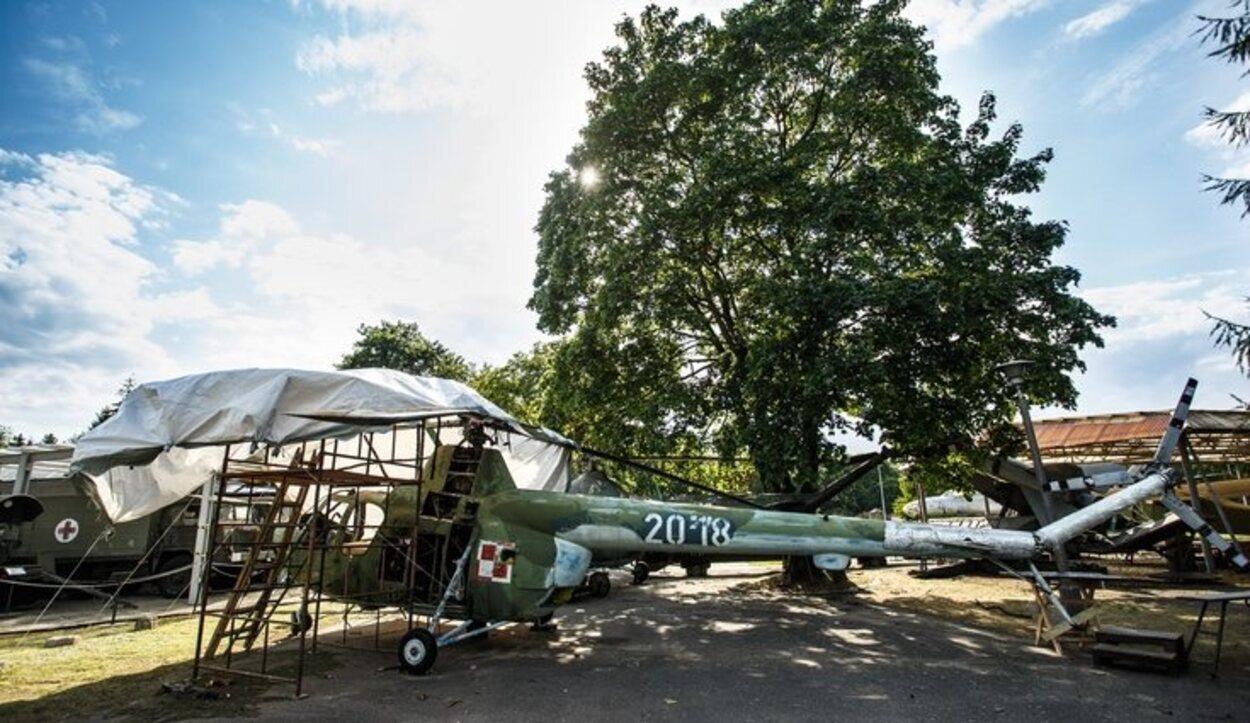 Uno de los vehículos de guerra en el Museo Militar