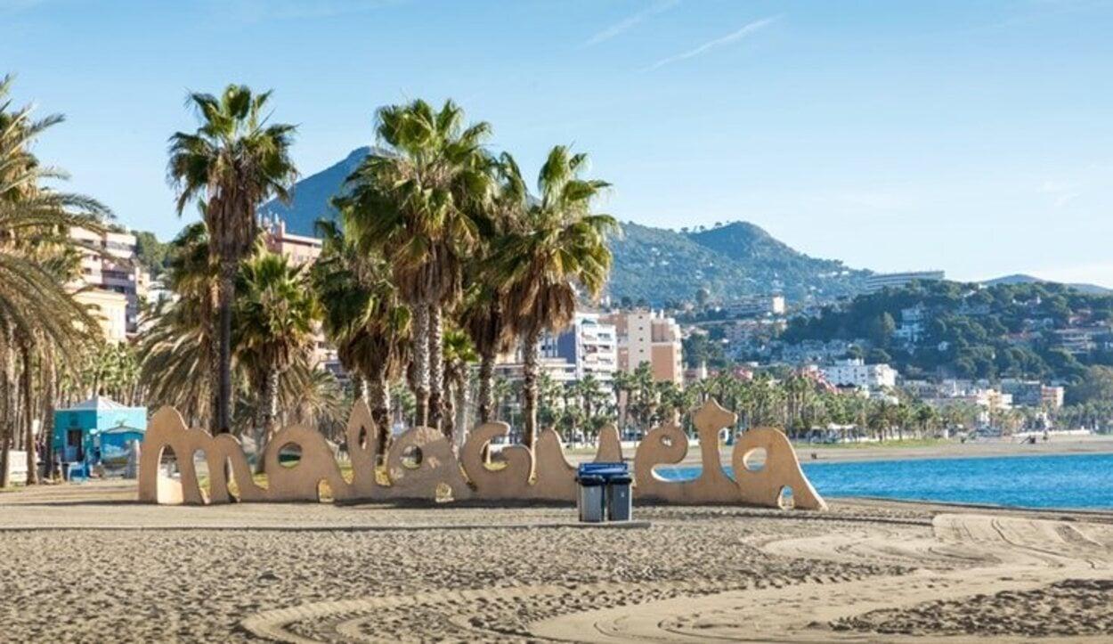 La playa de la Malagueta es de las más populares de Málaga
