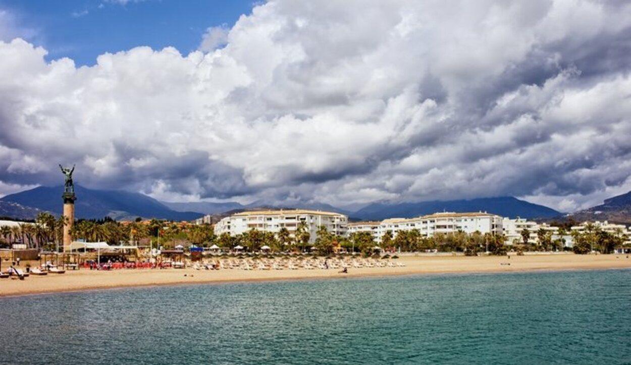 La playa de Puerto Banús, de las más turísticas