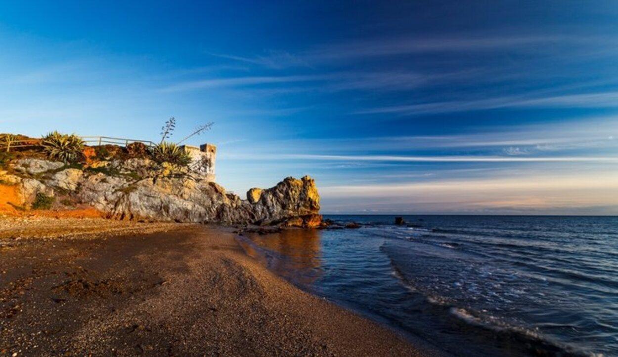 Playa Torre la Sal en Casares, Málaga