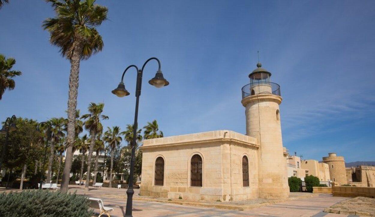 El faro de Roquetas de Mar es ahora un museo marítimo
