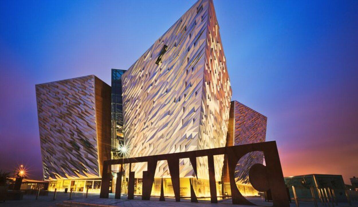 El museo recrea cuatro proas del tamaño del propio Titanic