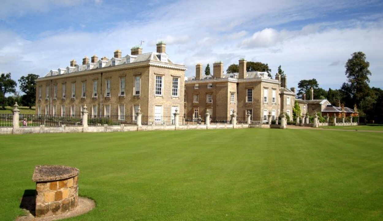 Althorp House es la residencia familiar de los Spencer (Inglaterra)