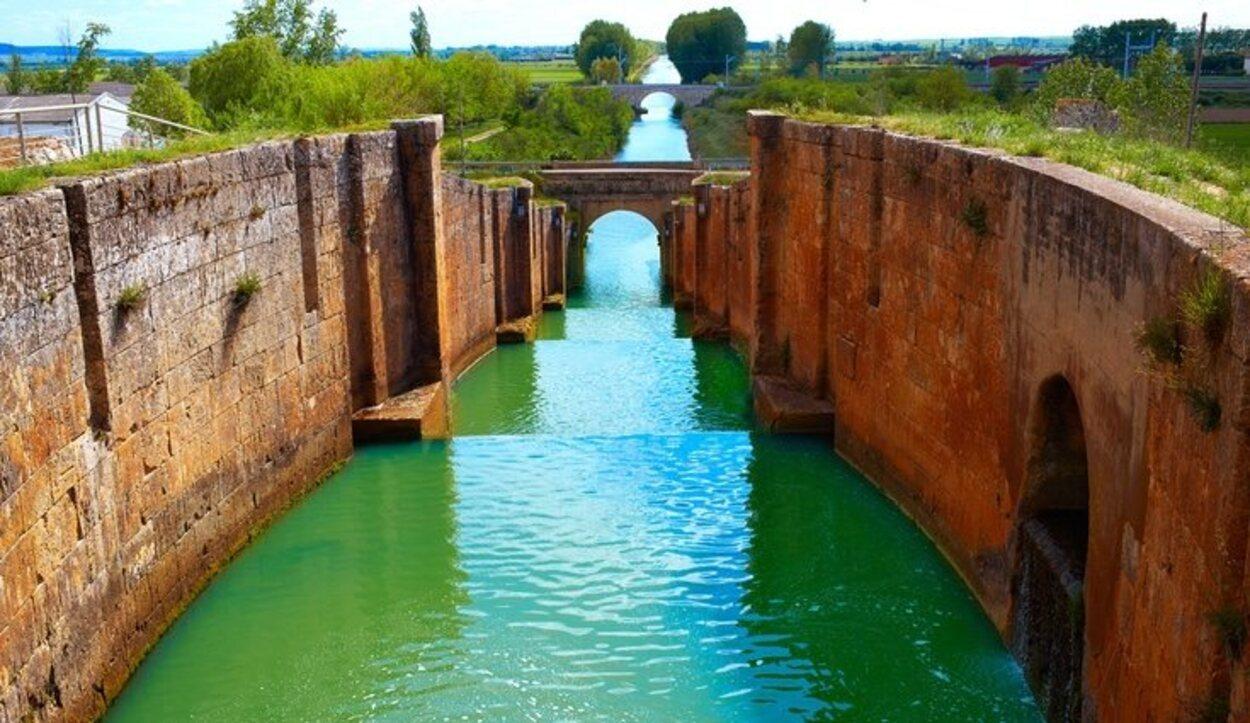 El Canal de Castilla es una de las obras más importantes de los siglos XVIII y XIX